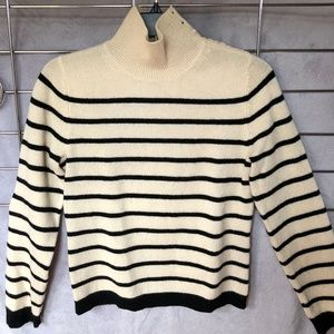 Banana Republic lambswool sweater